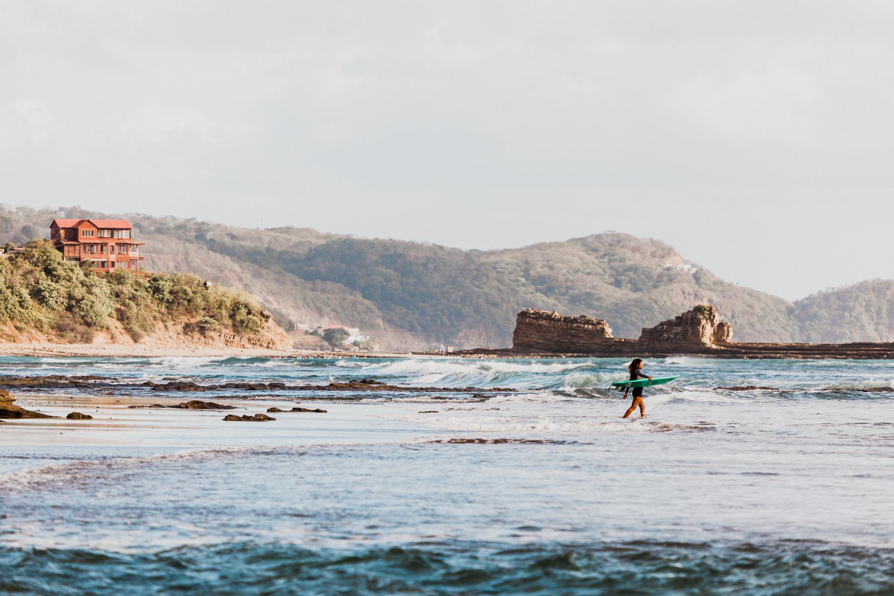 Beach wedding - surf - Costa Rica